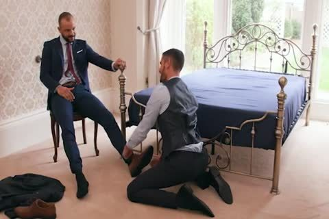 Suited Italian males poke unfathomable In daybed